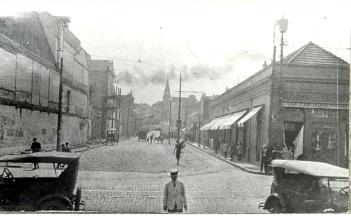 O Beco do Rosário recém alargado, provavelmente no fim da década de 1920.