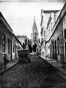 Beco do Rosário, década de 1920. Fototeca Museu Hipólito da Costa.
