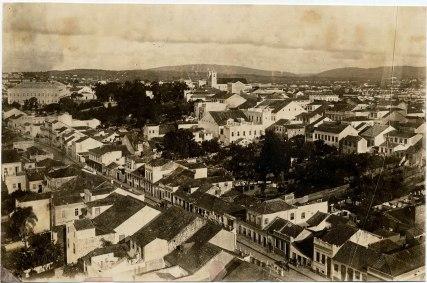 Virgílio Calegari, vista da Rua Riachuelo. Foto 135f da Hemeroteca Sioma Breitman (Museu de Porto Alegre).