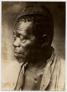 Trabalhador negro, provável liberto. Virgílio Calegari_ - foto 0594f da Fototeca Sioma Breitman (Museu de Porto Alegre).