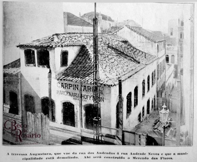 Fotografia da Travessa Angustura ou Beco do Leite na revista A Mascara de 6/2/1925. Hemeroteca do Museu de Comunicação social Hipólito José da Costa.